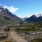 En direction du lago Toro et du glacier Tunel