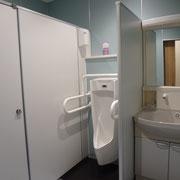 男性用トイレ2