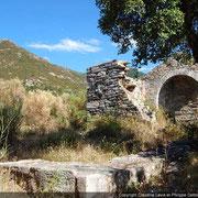 église en ruine de San Pietro Poggio d'Oletta