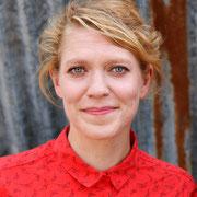 Leena Schmitter, Stadträtin GB Bern: Weil junge Frauen und Mädchen das Recht auf Schutz und Sicherheit haben & weil eine sichere Notunterkunft helfen kann, gewaltfreie Zukuftsperspektiven zu entwickeln. Jetzt&Ici : une MädchenHousedesFilles à Bienne