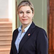 Silvia Steidle, Conseillère municipale PLR : Déclarer la tolérance 0 en matière de violence à l'encontre des jeunes femmes ne suffit pas. Il faut offrir un refuge aux personnes menacées. C'est pour cette raison que je soutiens la MädchenHouse desFilles