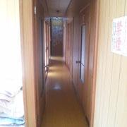鷹巣フィッシング町奥の部屋から見た廊下