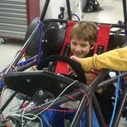 FH-Studenten bauen ihr eigenes Rennauto. Martin will jetzt dort studieren.