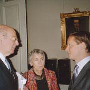 Komponist Mauricio Kagel, Frau Kagel, Carl Grouwet; bei der Verleihung des Rolf Schock Prize an Mauricio Kagel, Stockholm, 27. Oktober 2005