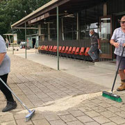 2018 12 15 Working Bee:  Anita Klima vs Bruce Henshall in the Top Broom shoot-off.