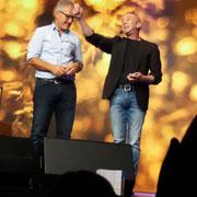 Zauberer Göppimgen, mit seiner Comedy Zaubershow bietet Thomas Gysin Unterhaltung für Veranstaltungen und zaubert für Kinder und Erwachsene