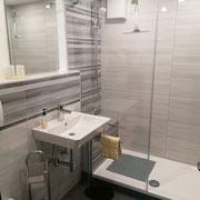 Badzimmer inkl. Dusche & Toilette