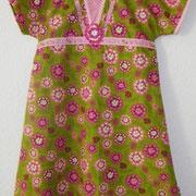 Einschulungskleid PEARL, Größe 122/128, Baumwollstoffe & Häkelblume, Bindebänder zum Regulieren der Weite