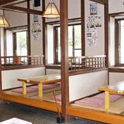 ◆小座敷(6人座卓:3席)