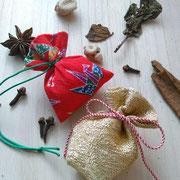 匂い袋と天然香料(丁子・桂皮・山奈・零陵香・大ウィ香)