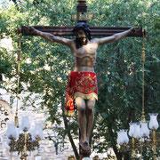 El Stmo. Cristo saliendo de su ermita.