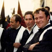 De izquierda a derecha Juan Angel Abad, J.Bautista, Juanjo y Nazario. Anderos del S. Entierro