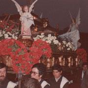 Foto: Javier Muñoz Gutierrez, en las que se destaca la colocación de las flores.