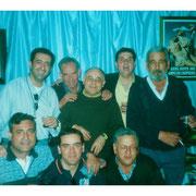 Momento distendido de miembros y Presidente de la Junta en el año 2000.