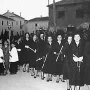 Damas de La Piedad por el Pozo-Hondo.