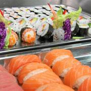 kunstvoll dekorierte Sushi