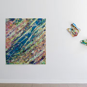 """Shifting"" 2014, Acrylfarbe, Papier, 170 x 146 cm | ""Crash 5"", Acrylfarbe, Papier ca. B 50 x 55 x T 20 cm, 2014  | ""Crash 4"", Acrylfarbe, Papier ca. B 60 x H 35 x T 25 cm, 2014"
