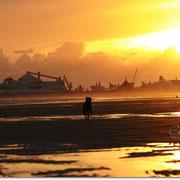 .. morgens 6:30 Uhr am Strand von Calais