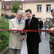 Portes ouvertes du 110, Thorsten Frei, maire de Donaueschingen, le Gal Chalmel Cdt la BFA et le Col Roux, chef de corps.
