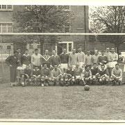 1969, football, les officiers contre les sous-officiers.