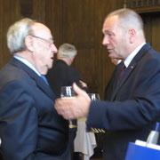 23 juin2014, réception à la mairie de Donaueschingen, le Gal d' armée COT avec le Gal Hans-Otto Budde, Gal Cdt la BFA de 1995 à 1997 et Inspekteur des Heeres de 2004 à 2010.