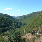 La vallée de la Dourbie depuis les rochers de Cantobre