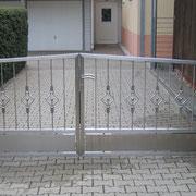 Hofeinfahrttor aus Edelstahl