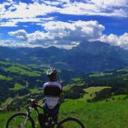 Auch mit dem Mountain Bike kann man die Bergwelt erleben