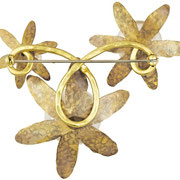 Brooch Belladonna