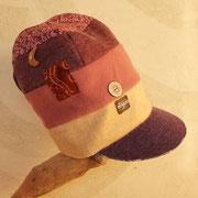 淡いピンクから紫へのグラデーションがやさしい雰囲気の帽子 お洒落に決めてね!