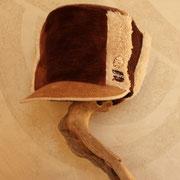 テディーベアの生地で作ったふわふわ帽子