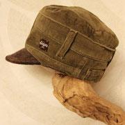 お気に入りのズボンからリメイクの仕事帽子 ズボンそのままのデザインが素敵!