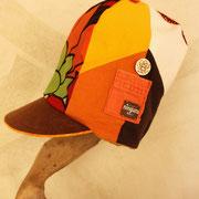秋真っ盛りの 実りの季節 背高帽子