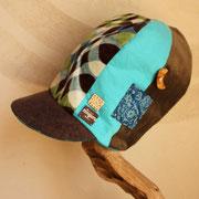 ナイトクルージング 夜を旅する背高帽子