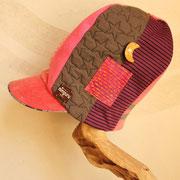 星空の瞬く夜に 旅をする ピンクの背高帽子