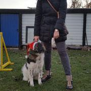 Emilia in der Hundeschule
