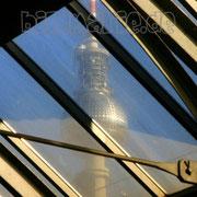 33.bf.-fernsehturm spiegelung durchs dach