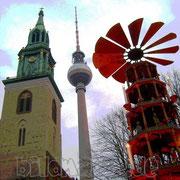28.fm.-fernsehturm, marienkirche und pyramide-posterart