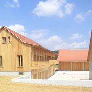 Betriebsgebäude mit Hof