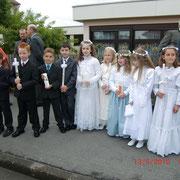Fast alle Erstkommunionskinder aus Ninas Klasse ....