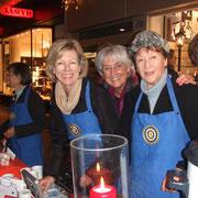 """Glühweinstand auf der Königsallee bei """"Einkaufen bei Kerzenschein"""", November 2011"""