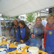 "Waffelstand auf dem ""Krefelder Pottbäckermarkt"", Mai 2012"