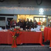 Glühweinstand - Einkaufen bei Kerzenschein, November 2013