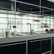 Küchen - GLASBAUSTEINE - GLASS BLOCKS - GLASSTEINE - BLOCOS DE VIDRO - BLOQUES DE VIDRIO – BRIQUES DE VERRE  - GLAZENSTENEN - GLASBLOKKEN - GLASDALLEN