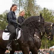 Anja und Sonja sind