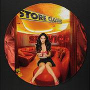 @ ERIK BONNET : Deconstruction desk, techniques diverses sur disque vinyl, 2011        { Décolleté dénudé, jambes velours et regard de désir, les rideaux se baissent, plaisir...}  (Mo)
