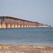 die alte Brücke rostet vor sich hin...