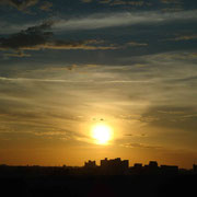 Der erste Sonnenuntergang unserer langen Reise...