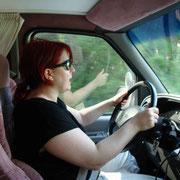 Bernadettes erste Fahrversuchte mit unserem neuen Campervan...