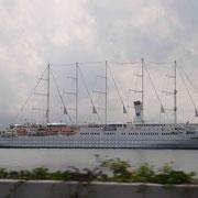 Kreuzfahrtschiff 1